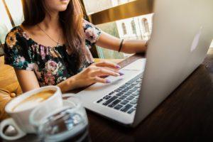 Стоит ли пользоваться услугами виртуальной ассистентки?